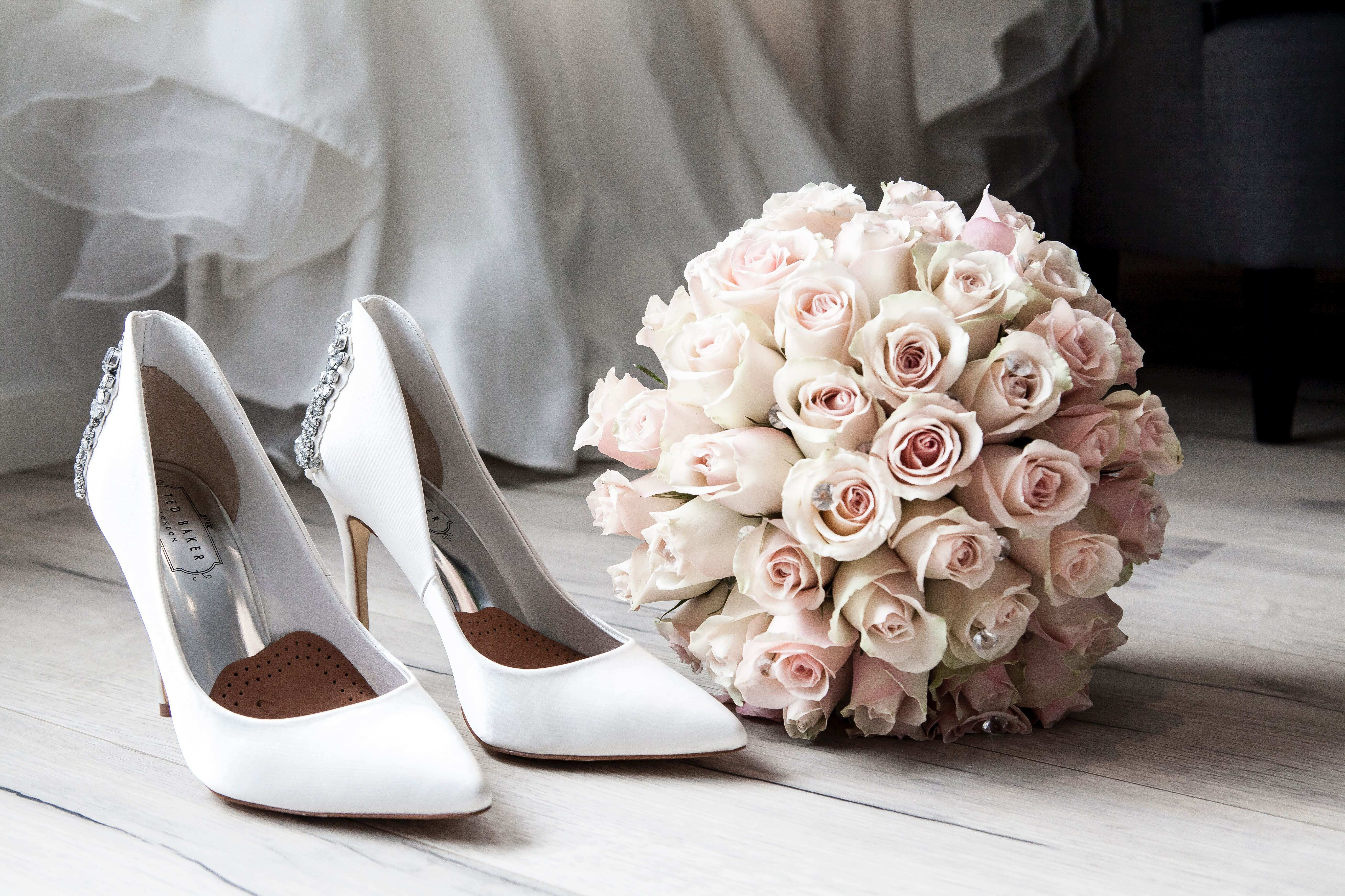 wedding-preparation-313707-min-compressed